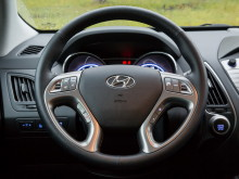 hyundai-ix35-2014-steering-wheel-35