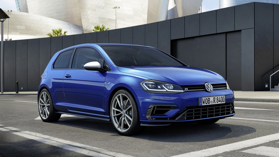 Фото Volkswagen Golf R 2017 года
