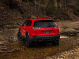 Jeep Cherokee Trailhawk задняя часть