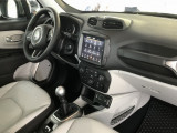 Интерьер Jeep Renegade 2018-2019 фото