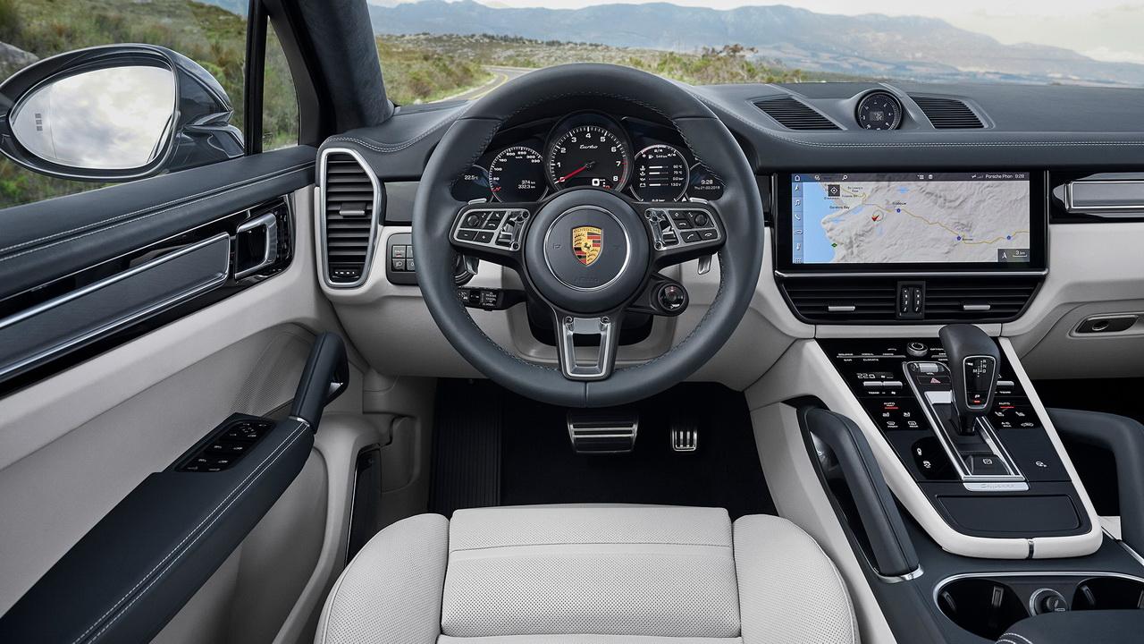 Интерьер Porsche Cayenne Turbo Coupe