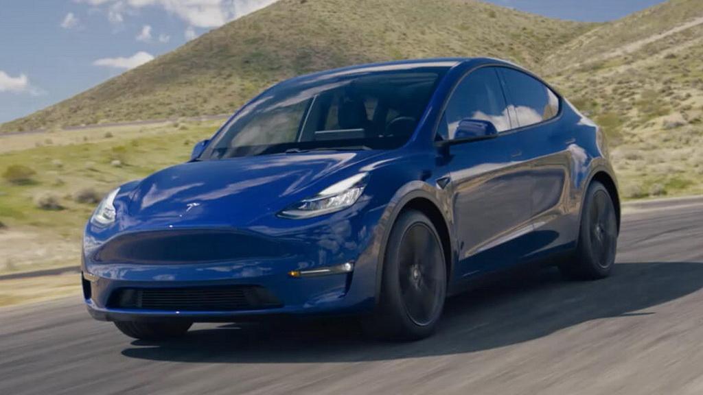 Передняя часть кузова Tesla Model Y