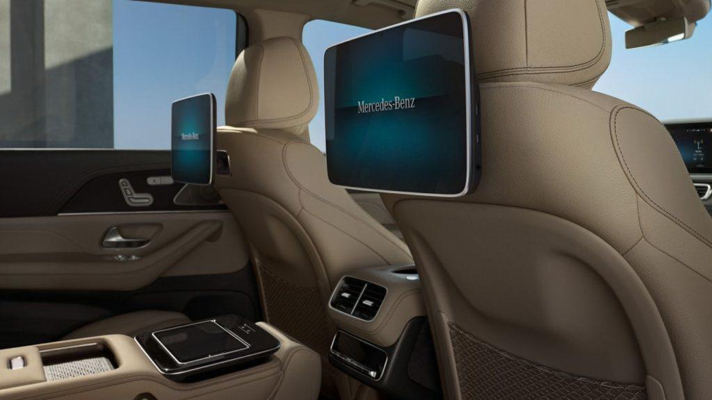 Экраны для задних пассажиров
