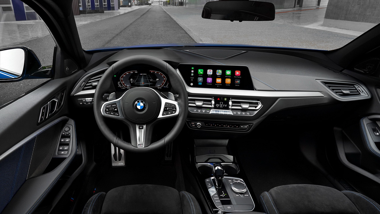 Салон BMW M135i xDrive 2020