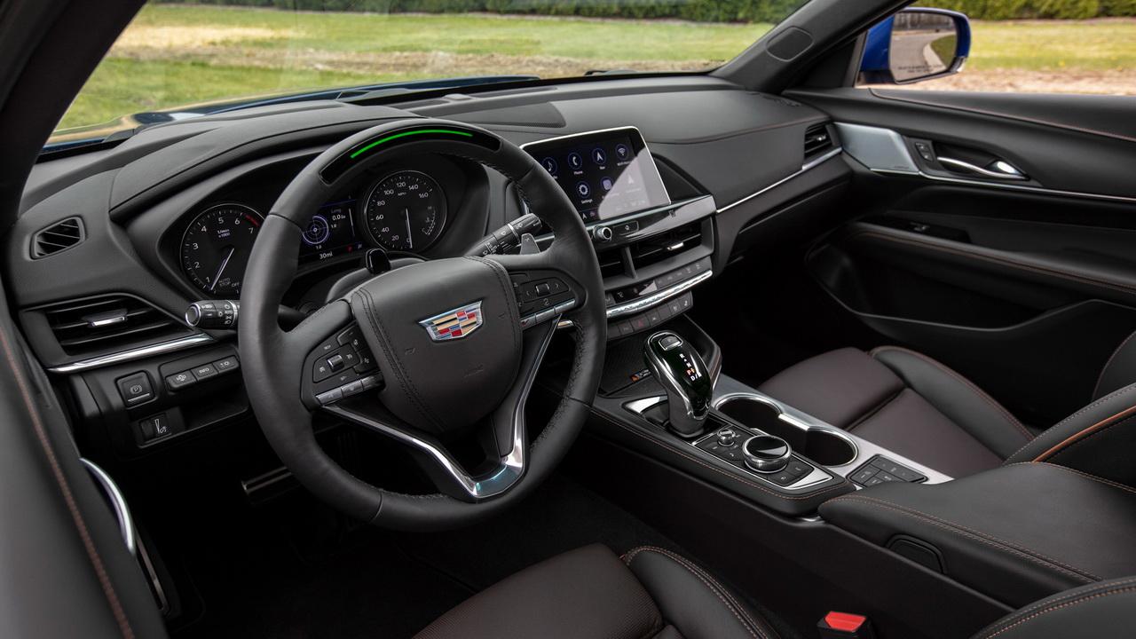 Салон Cadillac CT4 фото
