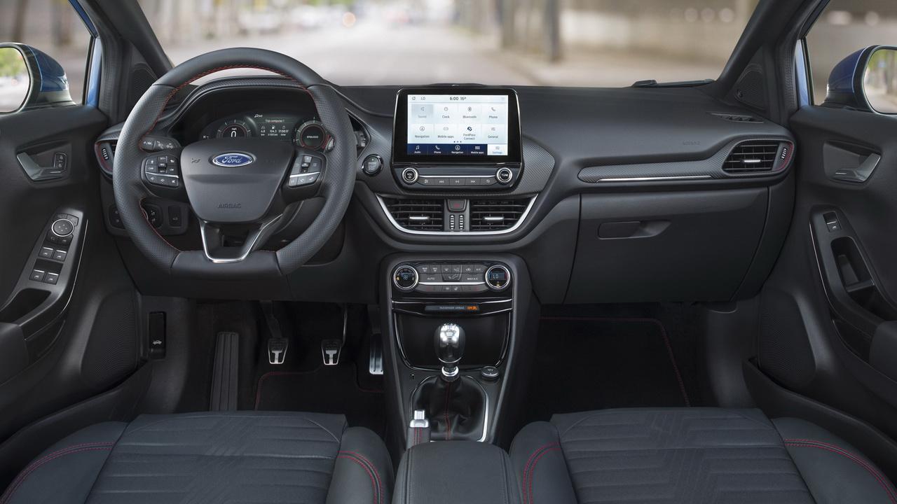 Салон Ford Puma фото