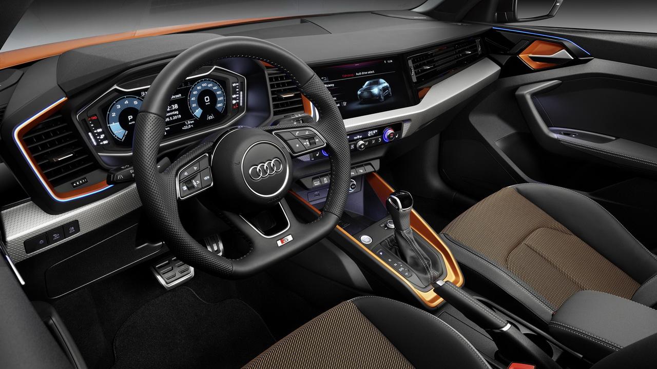 Фото салона Audi A1 citycarver