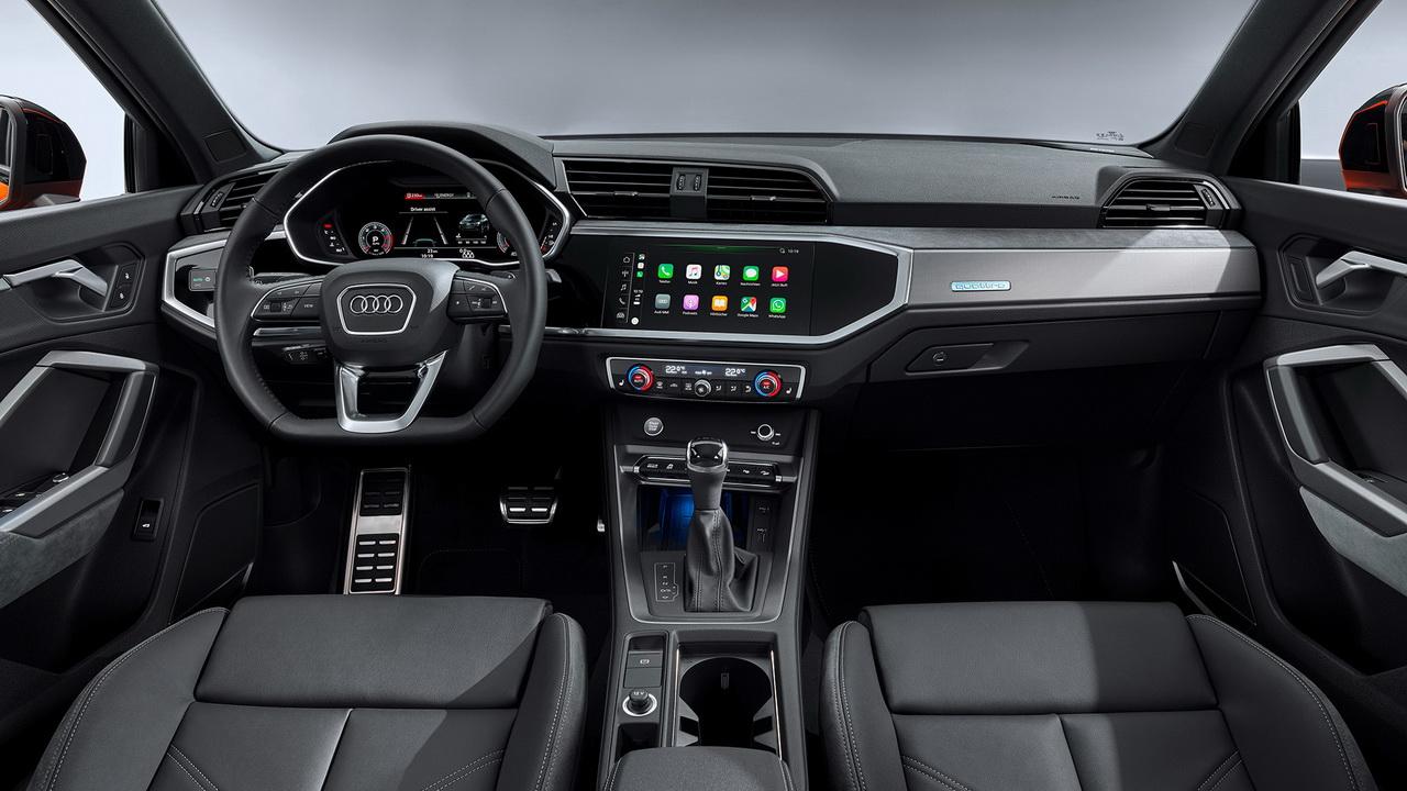 Фото салона Audi Q3 Sportback