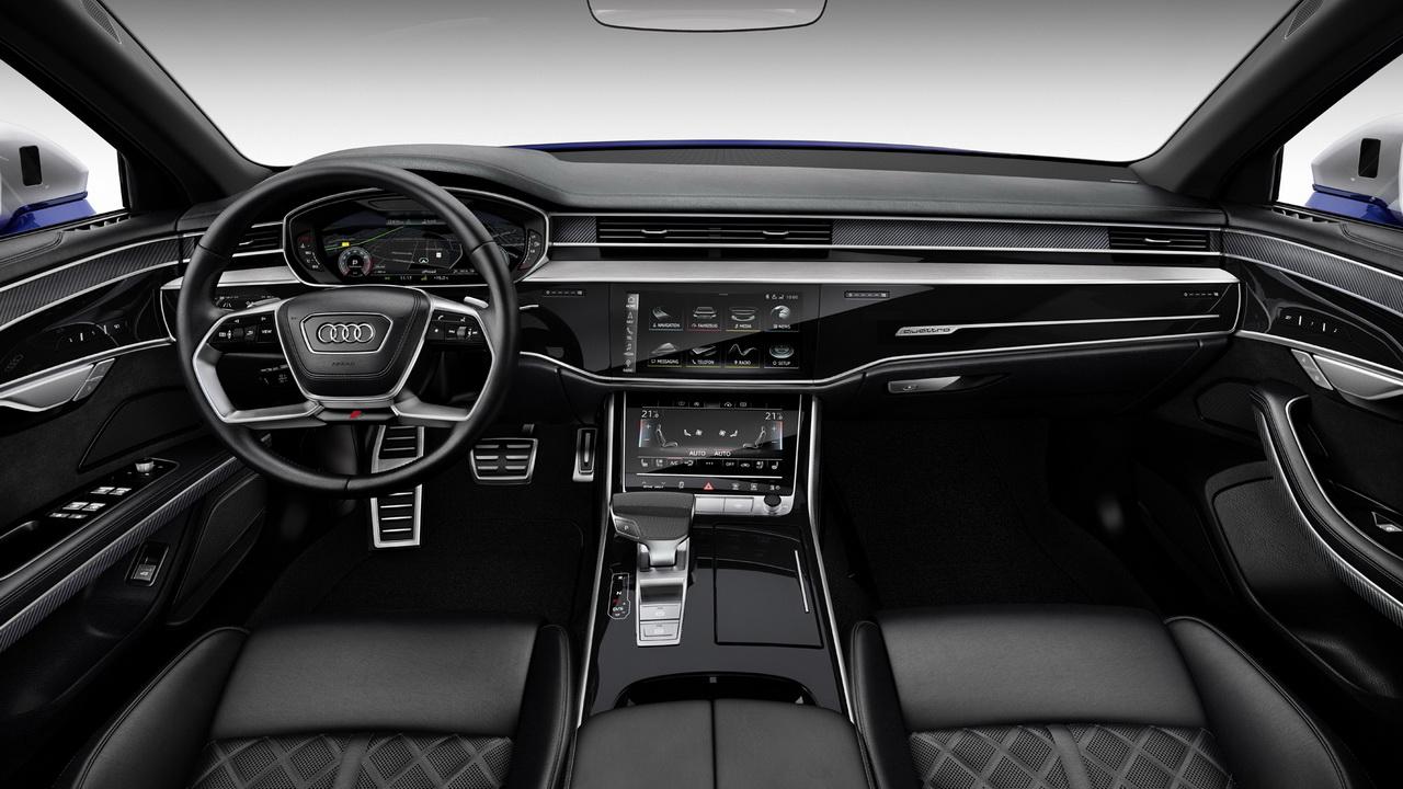 Салон Audi S8 фото