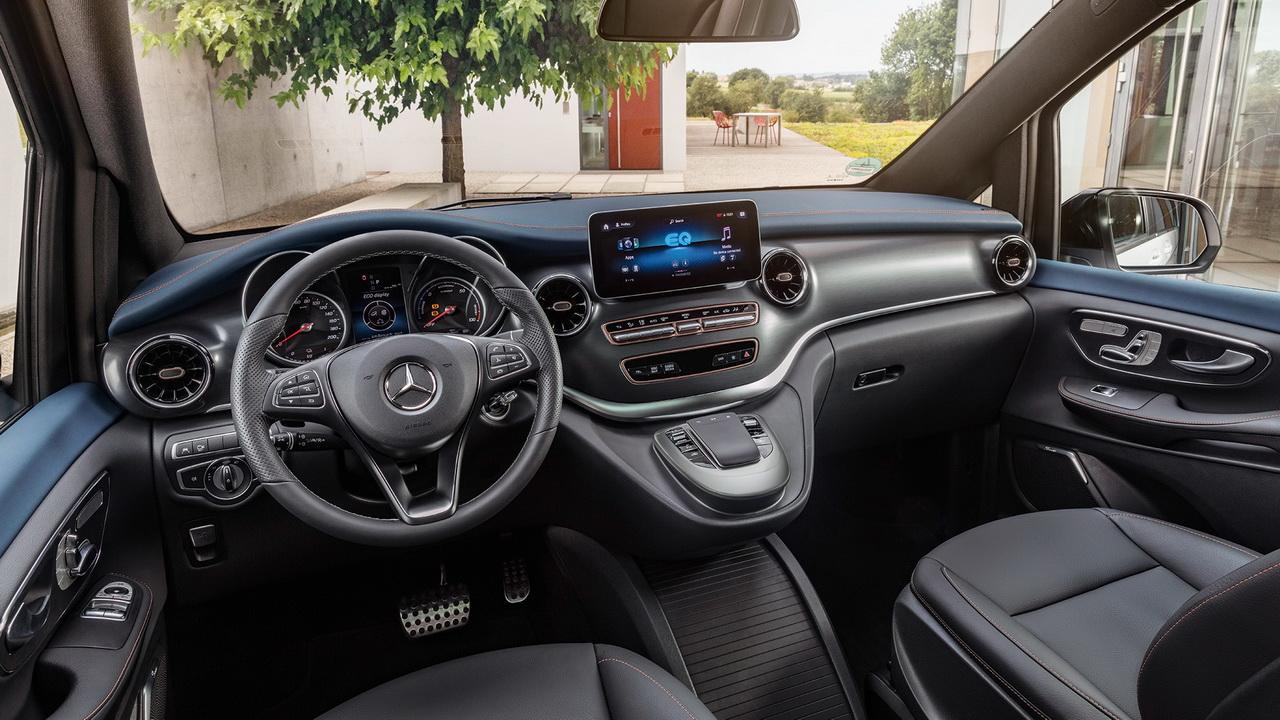 Салон электрокара Mercedes EQV фото