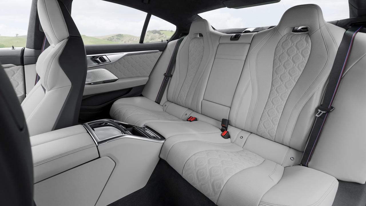 Задние сиденья BMW M8 Gran Coupe