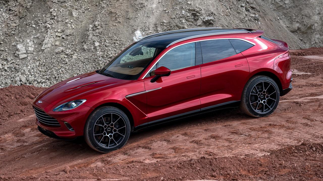 Дизайн кузова Aston Martin DBX фото