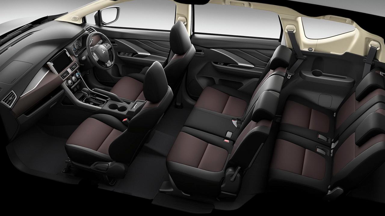 Трехрядный салон Mitsubishi Xpander Cross