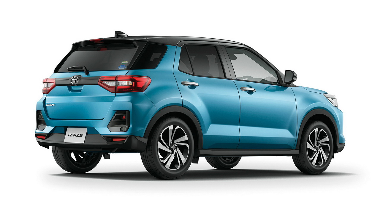 Дизайн кормы Toyota Raize