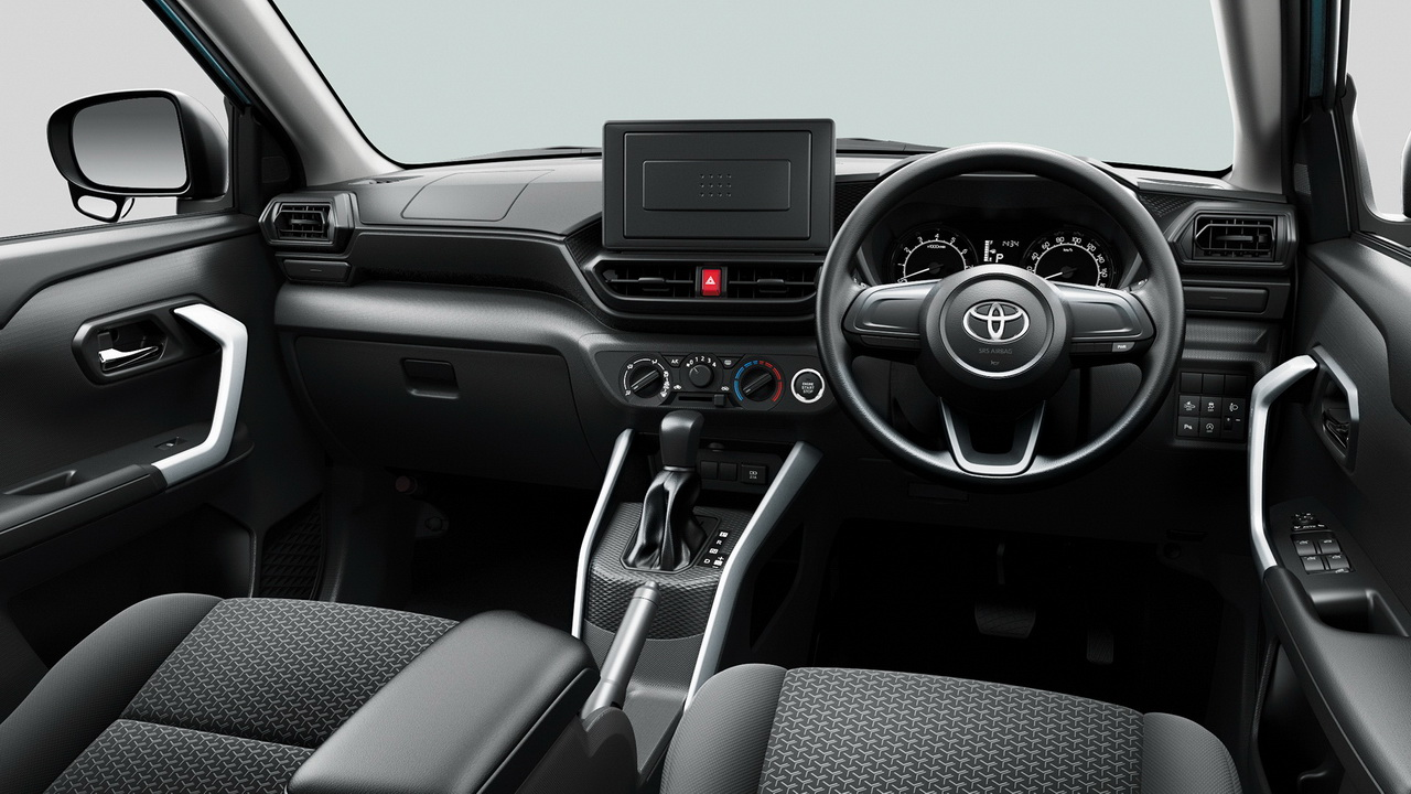 Салон Toyota Raize в базе