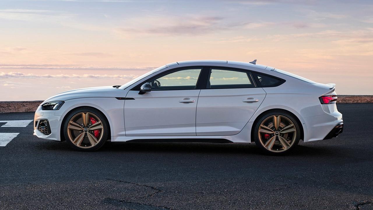 Лифтбек Audi RS5 профиль