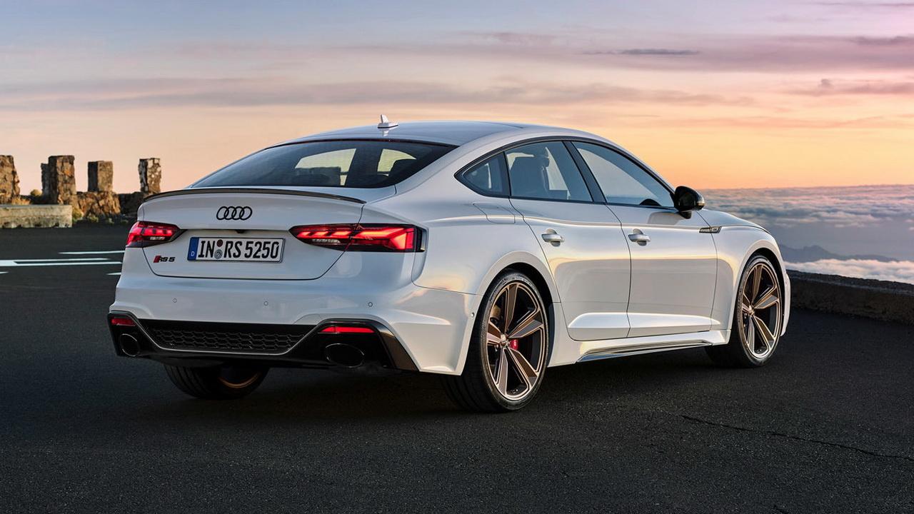 Корма пятидверной Audi RS5
