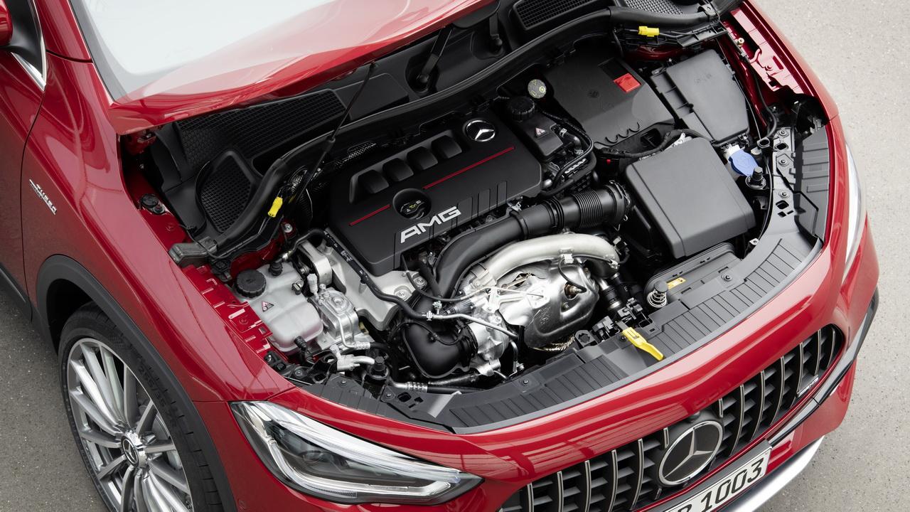 Мотор Mercedes-AMG GLA