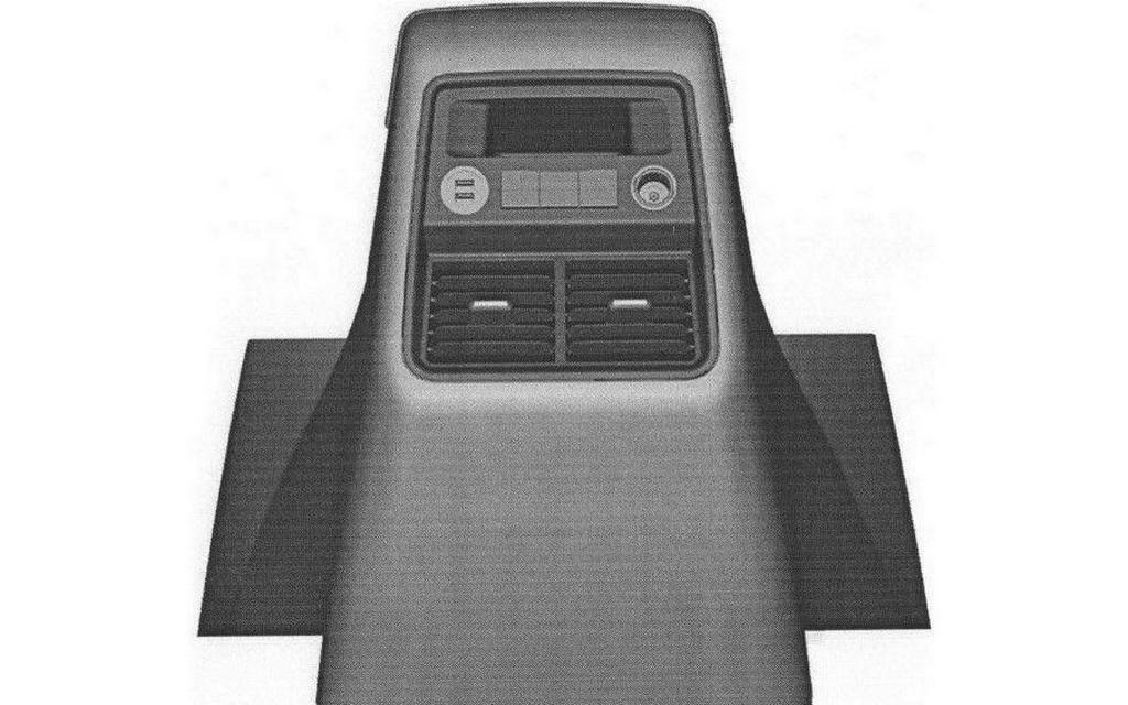 Панель для задних пассажиров