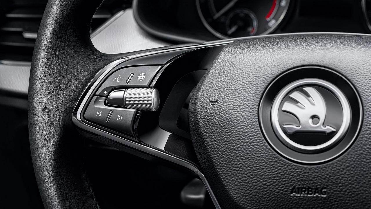 Кнопки на руле