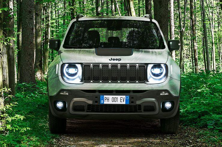 Гибриды Jeep Renegade 4xe и Compass 4xe выходят на рынок Европы