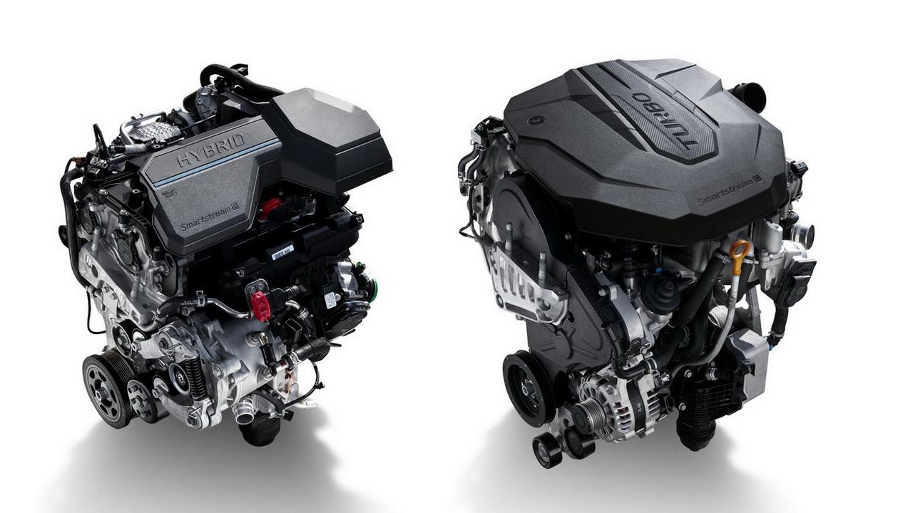 Двигатели 1.6 Turbo Hybrid (слева) и 2.2 Diesel (справа)