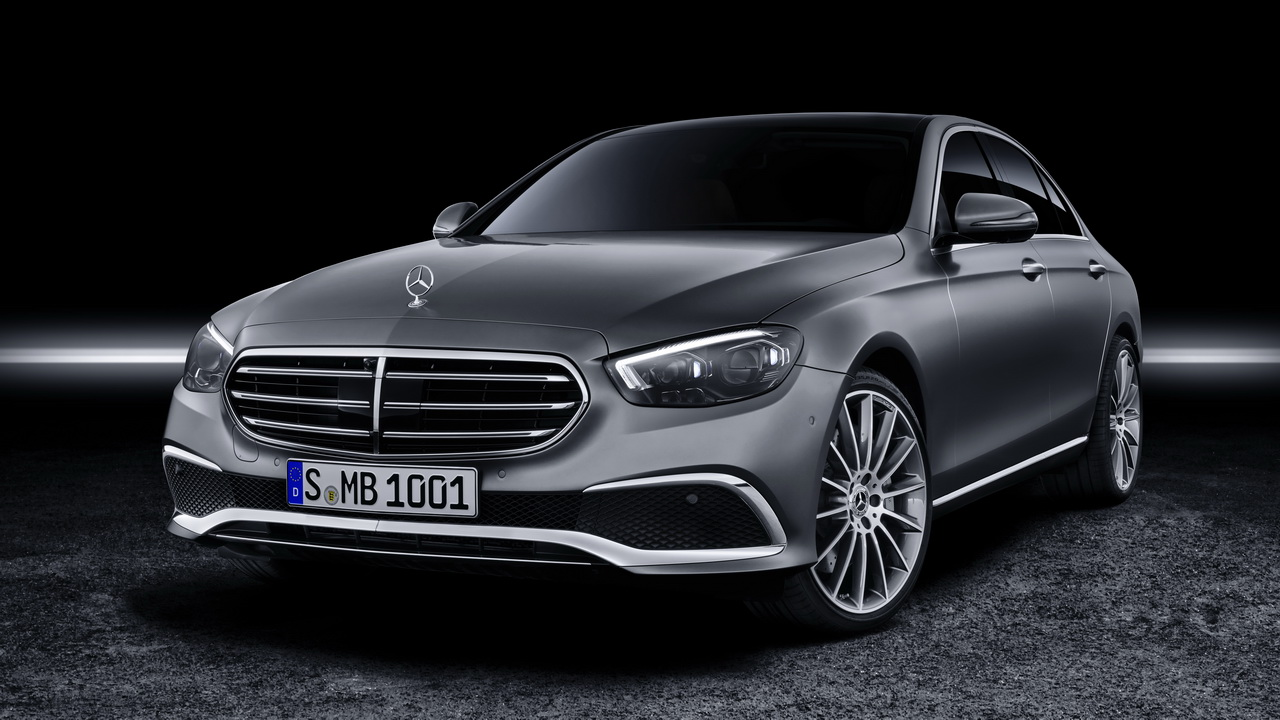 Фото Mercedes E-Class Exclusive
