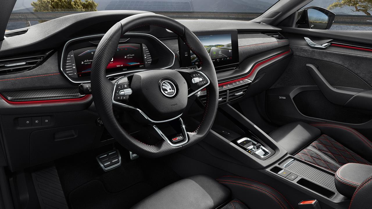Салон гибрида Octavia RS iV