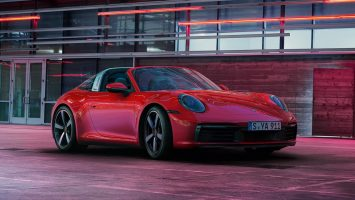 Porsche 911 Targa 2021: две версии и цена от 128 тысяч евро