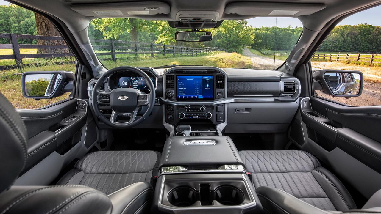 Салон нового Ford F-150