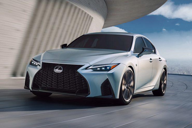 Lexus IS 2021: новое поколение роскошного спорт-седана