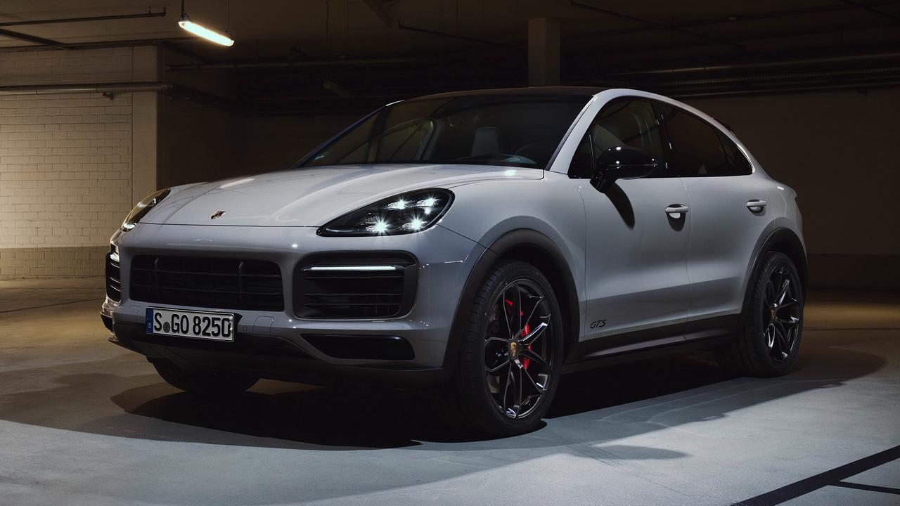Фото Porsche Cayenne GTS Coupe 2020