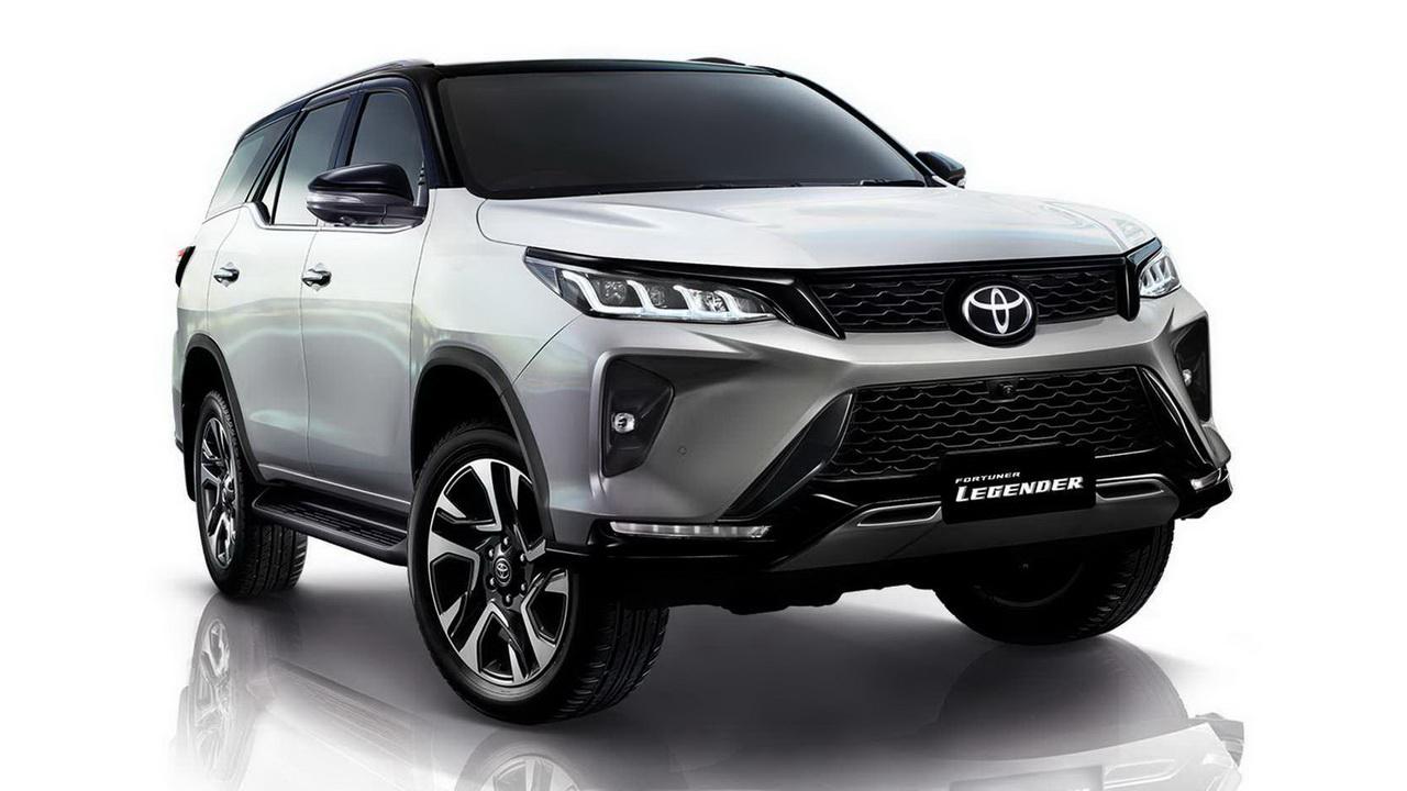 Фото нового Toyota Fortuner Legender