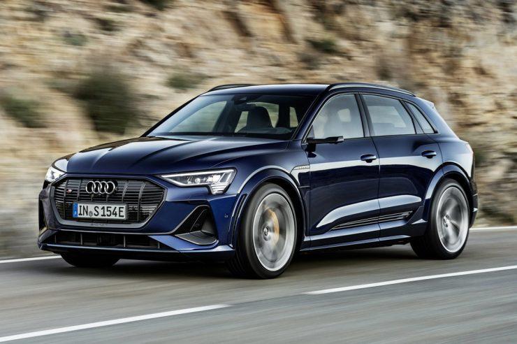 Audi e-tron S 2021 года: спортивные акценты и трио электромоторов