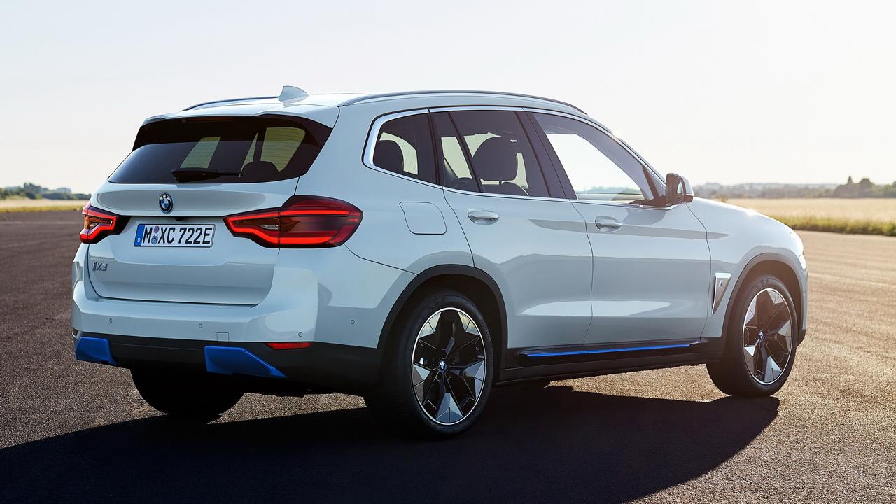 Корма BMW iX3