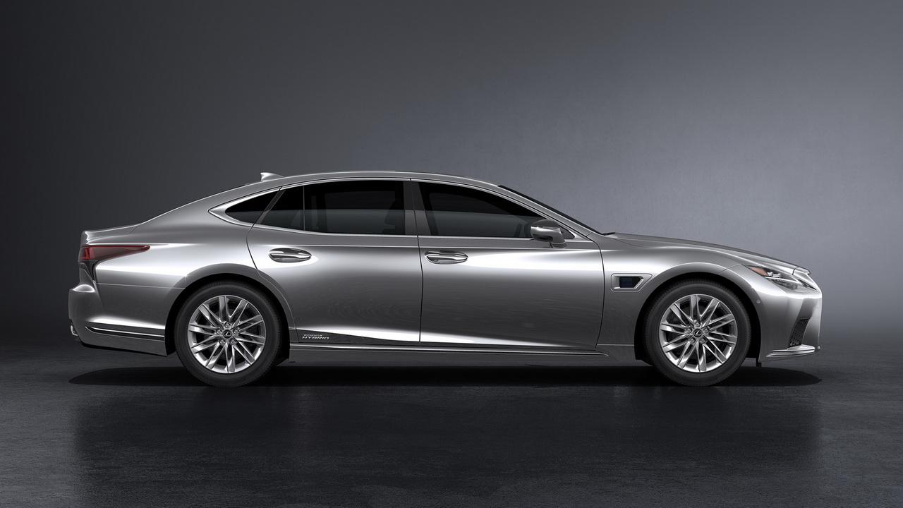 Гибрид Lexus LS вид сбоку