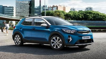 Kia Stonic 2021: новые расцветки и гибридные агрегаты