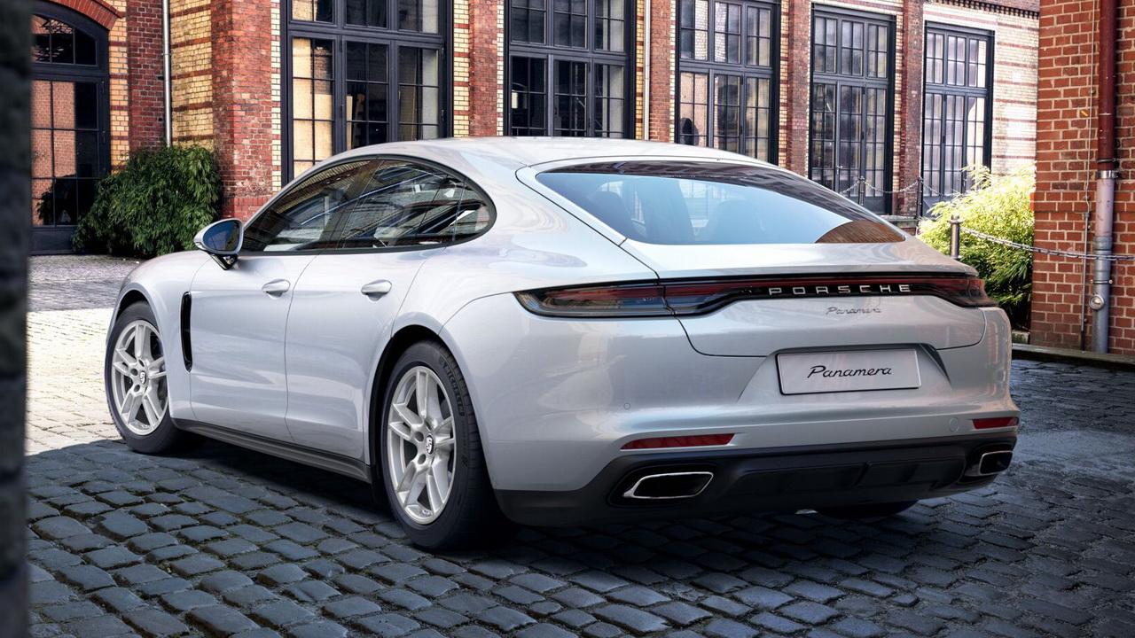 Корма Porsche Panamera 2021