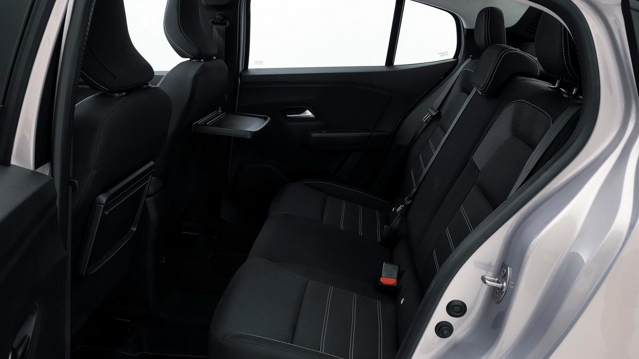 Задний ряд сидений седана Логан