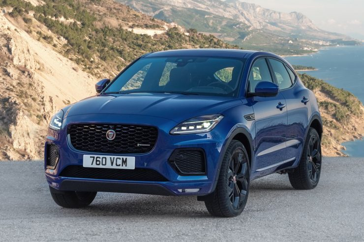 Jaguar E-Pace 2021: новый медиацентр и гибридные установки