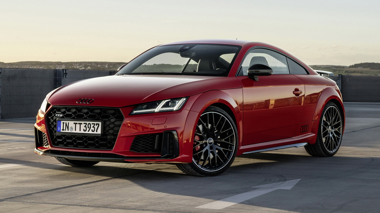 Фото купе Audi TTS competition plus 2021