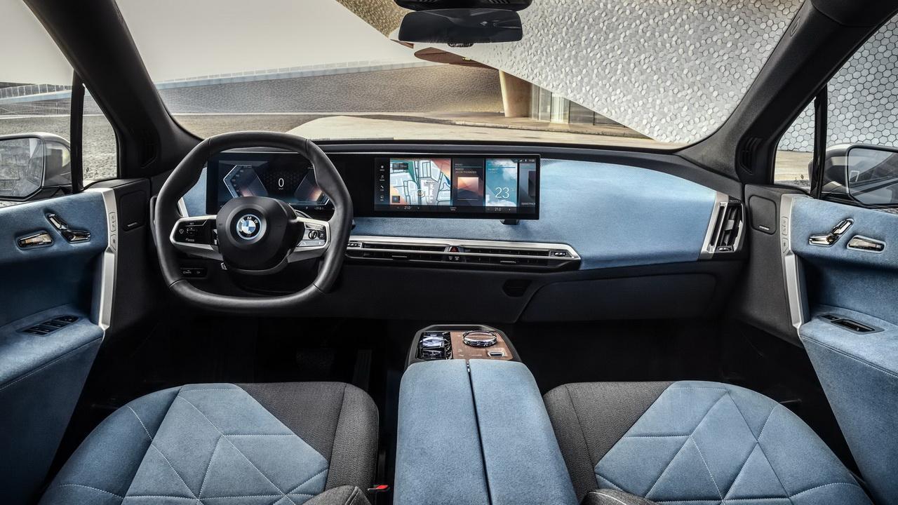 Салон BMW iX 2022 фото