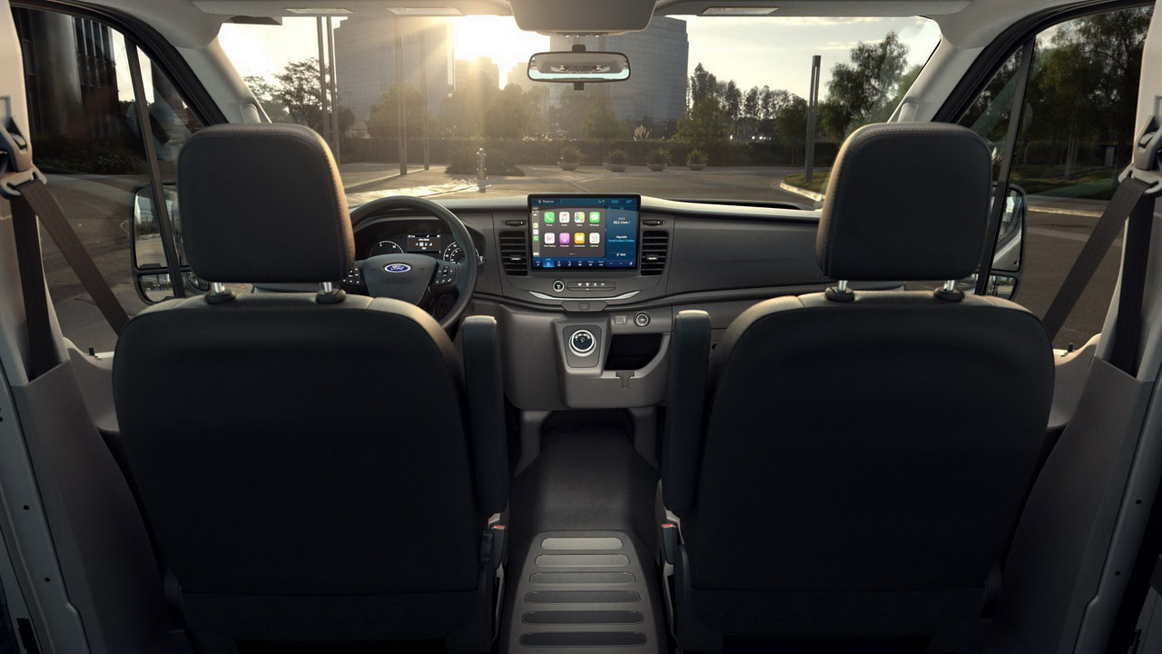 Салон Ford E-Transit 2022