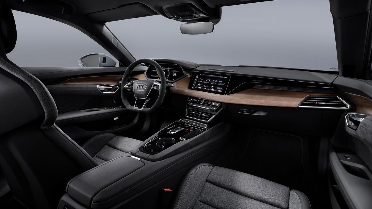 Фото салона Audi e-tron GT