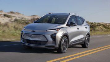 Chevrolet Bolt EV и Bolt EUV 2022: новые хэтчбек и паркетник Болт