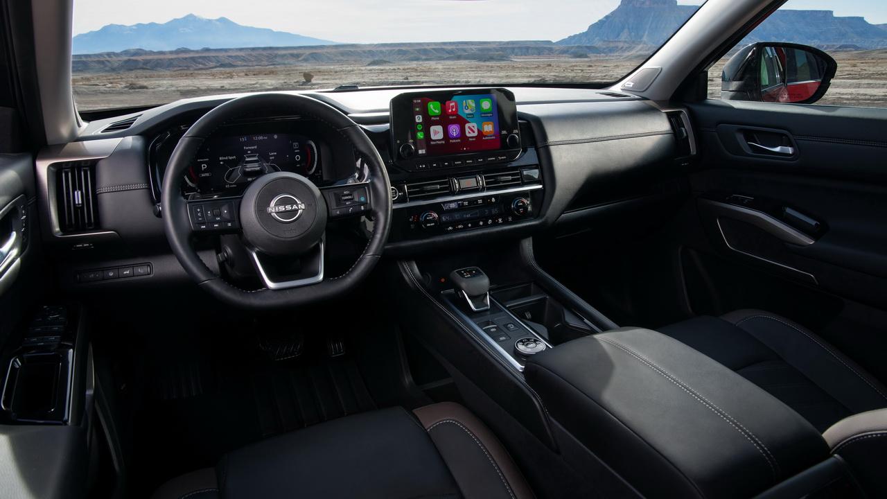 Салон Nissan Pathfinder 2021 фото