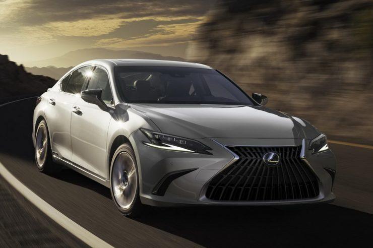 Lexus ES 2022: плановый рестайлинг седана
