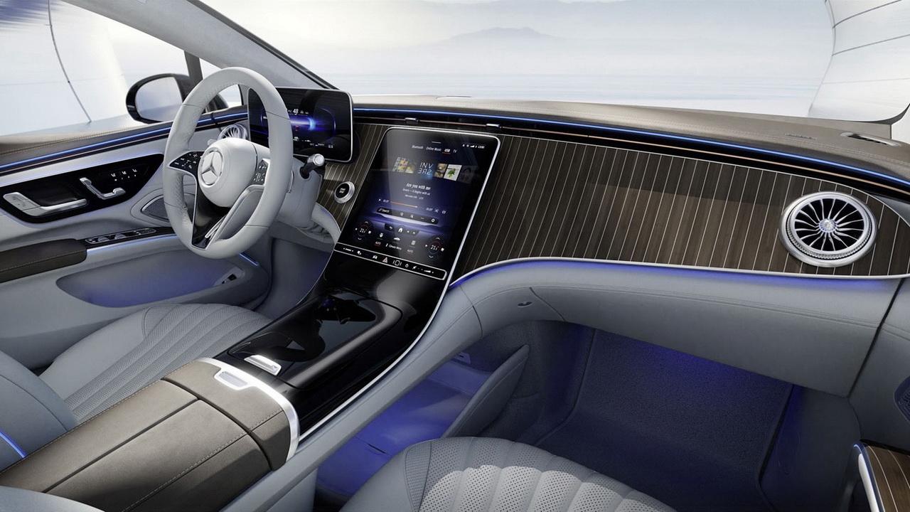 Базовая версия салона Mercedes EQS