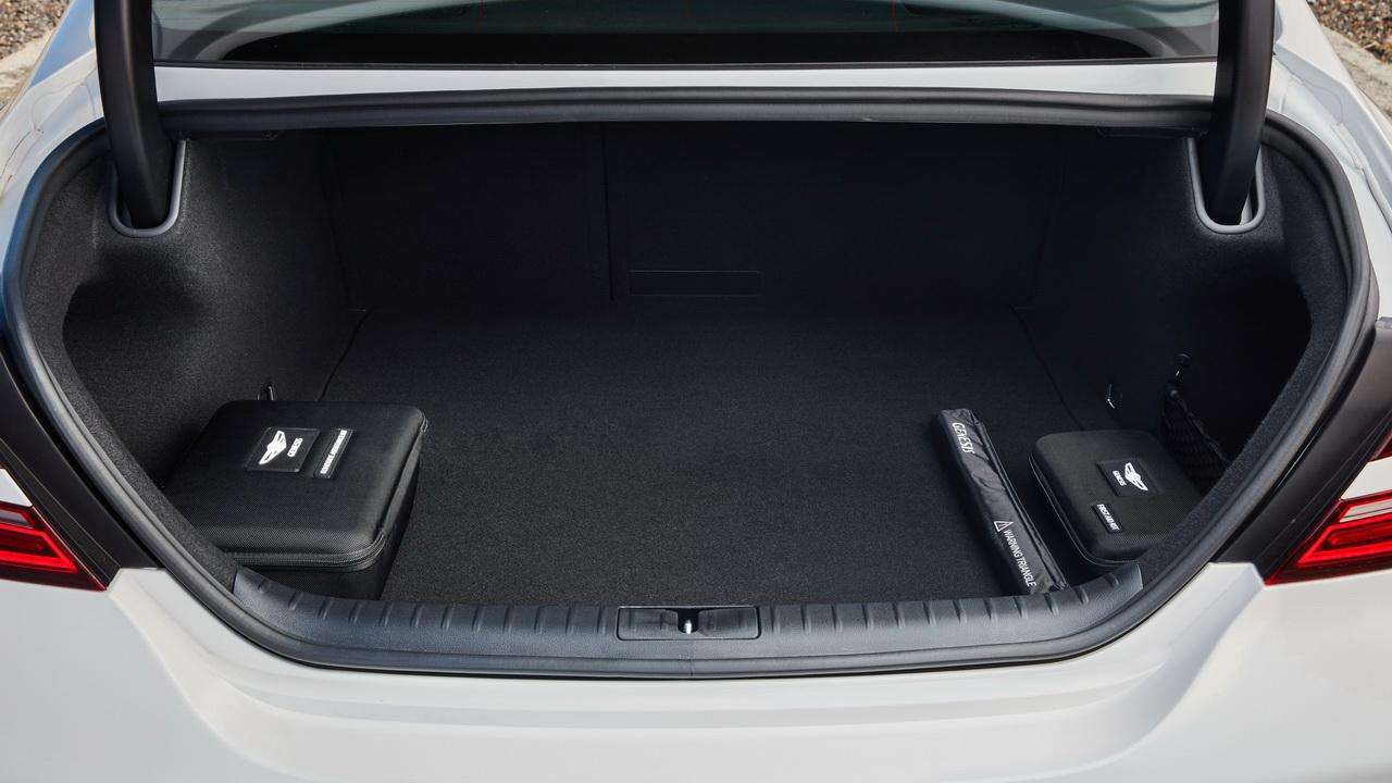 Багажник Genesis G70 фото