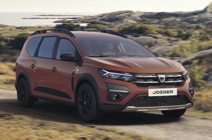 Dacia Jogger 2022: гибрид универсала и компактвэна на семь мест